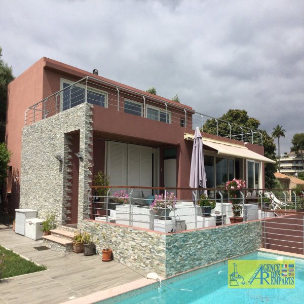 Selling Villas Antibes 06160